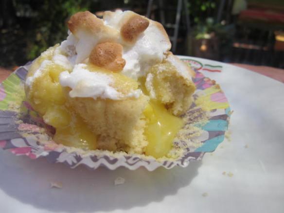 lemonmerenguecupcake2
