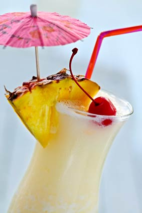 maui-wedding-cocktails-pina-colada-image